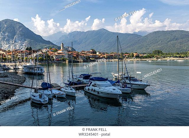 View of Feriolo and boats on Lake Maggiore, Lago Maggiore, Piedmont, Italian Lakes, Italy, Europe