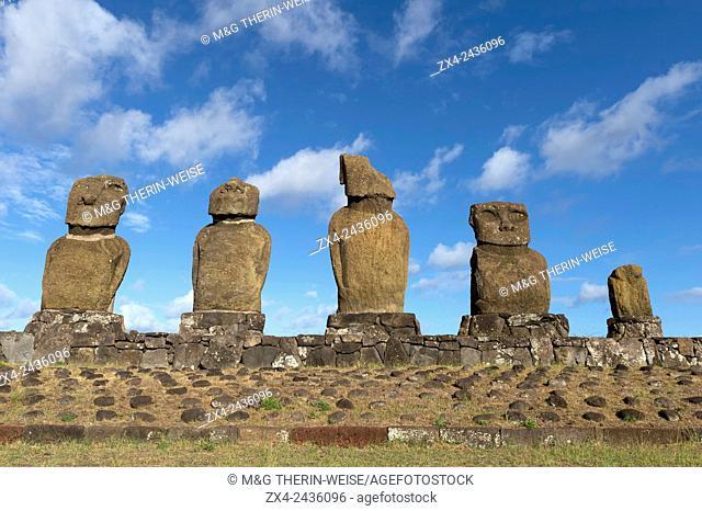 Moais at Tahai ceremonial complex, Hanga Roa, Rapa Nui National Park, Easter Island, Chile, Unesco World Heritage