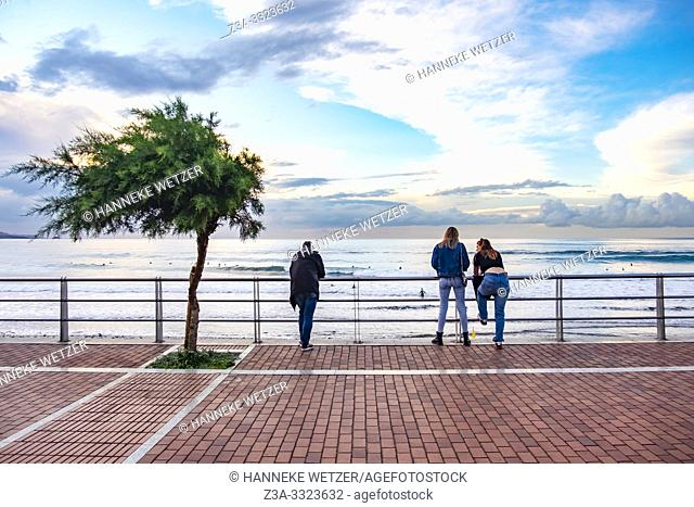 People enjoying the coastline of Gran Canaria