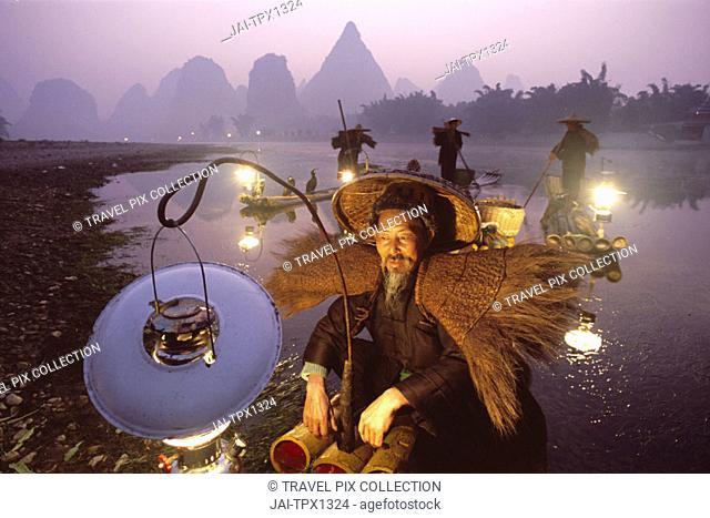 Li River / Cormorant Fisherman on Bamboo Rafts, Guilin / Yangshou, Guangxi Province, China