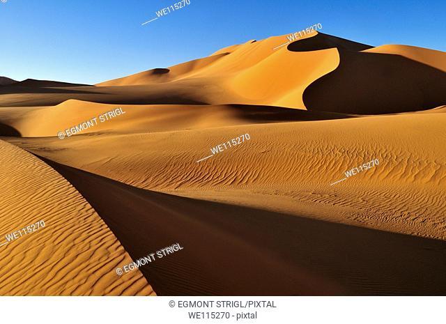 sanddunes at Erg Mehedjibat, Adrar n'Ahnet, Algeria, Sahara, North Africa
