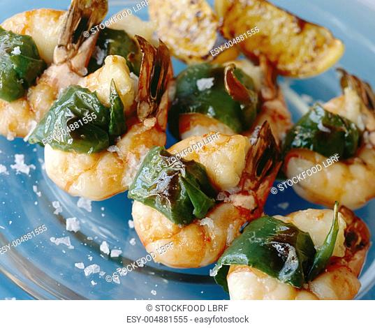 Fried prawns with green chilli peppers