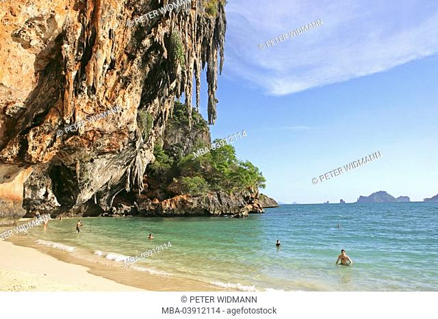 Thailand, Krabi, Phang Nga bay, Railay beach, rocks, lake,tourists