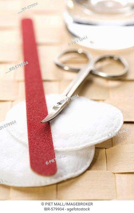 Nail file with beauty-set