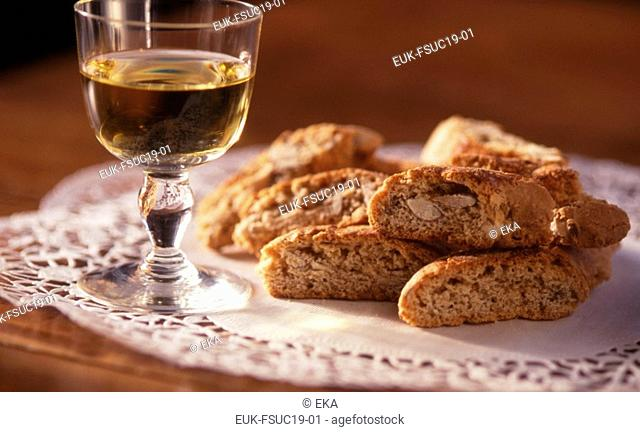 Vino Santo and biscuits