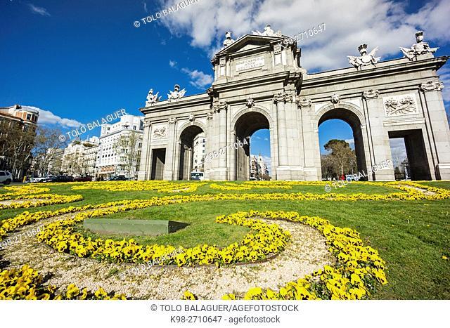 Puerta de Alcalá, Plaza de la Independencia, Madrid, Spain