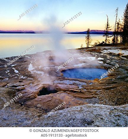 West Thumb, Geiser Basin, Yellowstone National Park, Wyoming, United States of America, USA