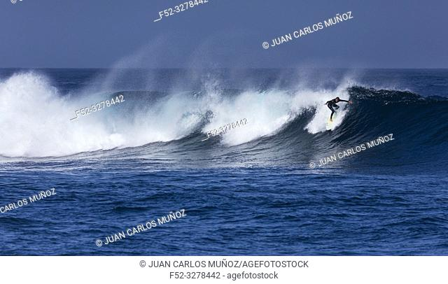 Surfing, Waves and ocean, La Santa, Lanzarote Island, Unesco Biosphere Reserve, Canary Islands, Spain, Europe