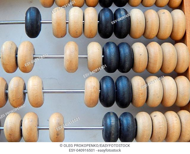 Manual mechanical abacus for accounting and financial calculations