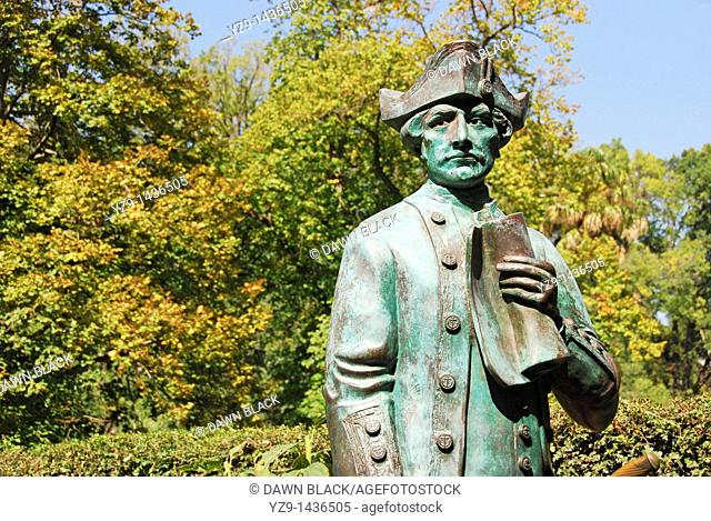 Captain James Cook Statue, Fitzroy Gardens, Melbourne, Victoria, Australia