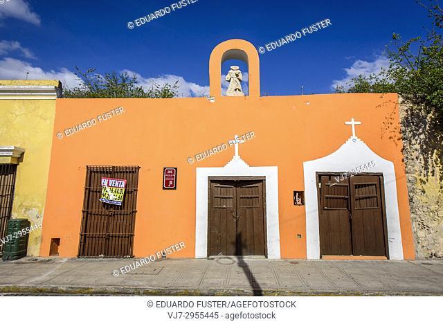 Colorful colonial buildings in the historic center, Merida, Riviera Maya, Yucatan Province, Mexico, Central America