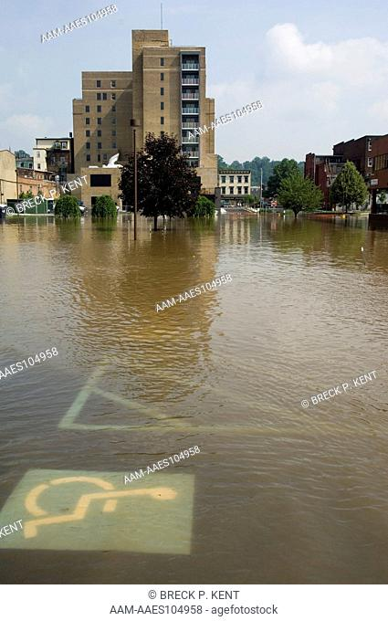 Delaware River flooding in Easton, PA 6/29/06