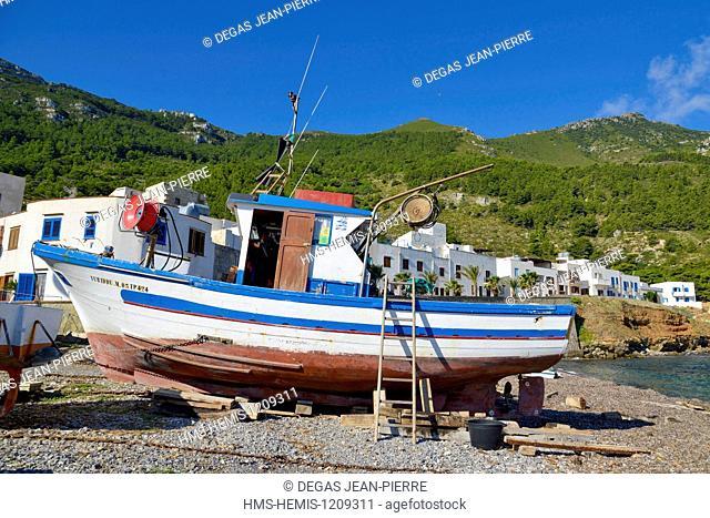 Italy, Sicily, Egadi islands, island of Marettimo, trawler timber shroud on a beach