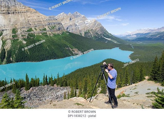 Peyto Lake Banff National Park Banff Alberta Canada, Photographer taking photos
