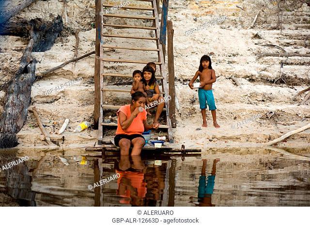 Mother with Their Daughters, Boa Esperança Community, Cuieiras River, Amazônia, Manaus, Amazonas, Brazil