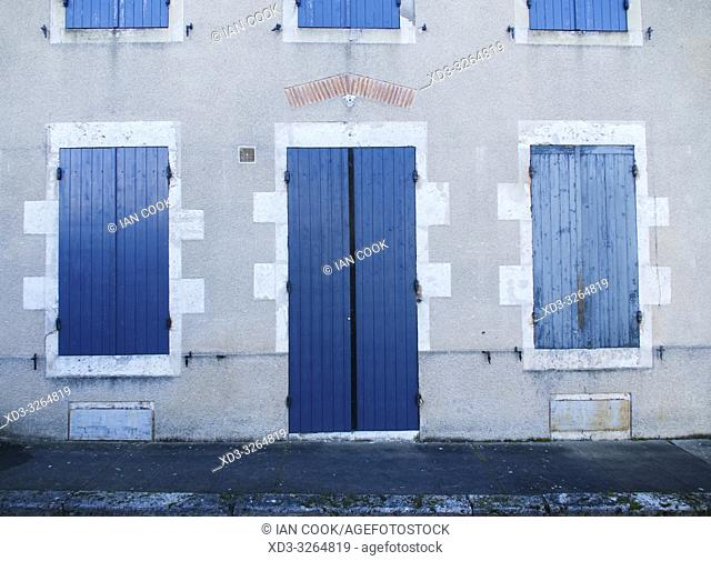 house front with blue shutters, Laparade, Lot-et-Garonne Department, Nouvelle Aquitaine, France