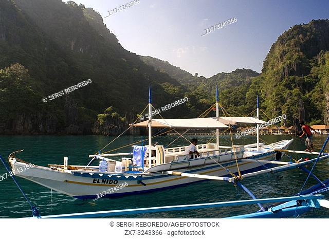 A boat in font of El nido resorts Miniloc island, Bacuit archipelago, Palawan, Philippines, Southeast Asia, Asia