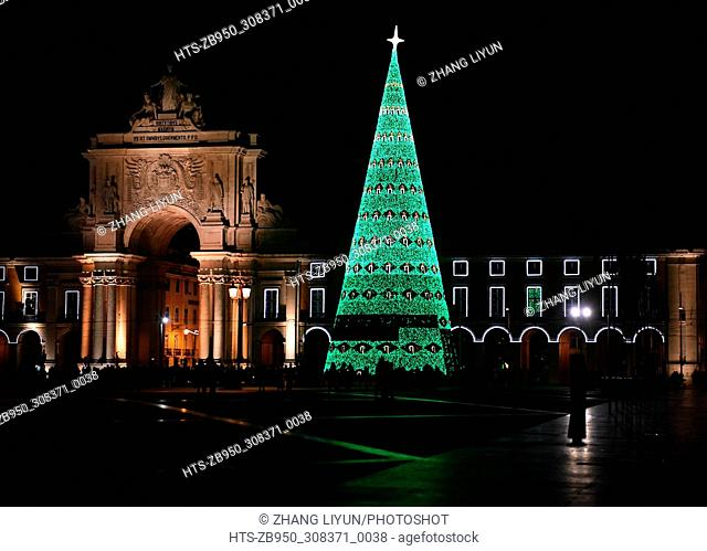 (171202) -- LISBON, Dec. 2, 2017 () -- A huge Christmas tree is lit up for the upcoming Christmas in Comercio square in downtown Lisbon, Portugal, Dec