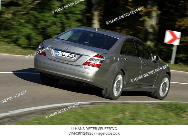 Mercedes S 500, silver, model year 2005-, driving, diagonal from the back, rear view, country road