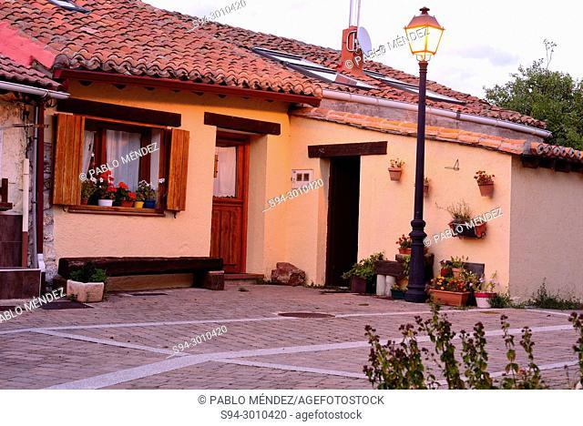 Rustic houses in Oteruelo del Valle, Madrid, Spain