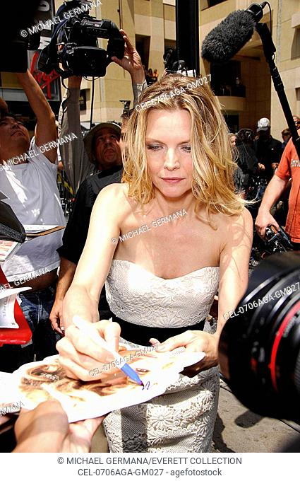 Michelle Pfeiffer at the induction ceremony for STAR ON THE HOLLYWOOD WALK OF FAME for Michelle Pfeiffer, Hollywood Boulevard, Los Angeles, CA, August 06, 2007