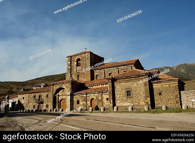 Collegiate Church of Santa Maria of Arbas, in late Romanesque style, XIIeth century, Arbás del Puerto, province of Leon, Castilla y León Region, Spain, Europe