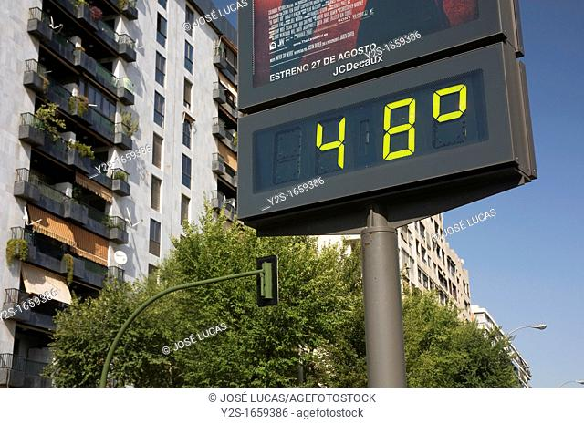 Urban thermometer, Hot summer, Seville, Region of Andalusia, Spain, Europe