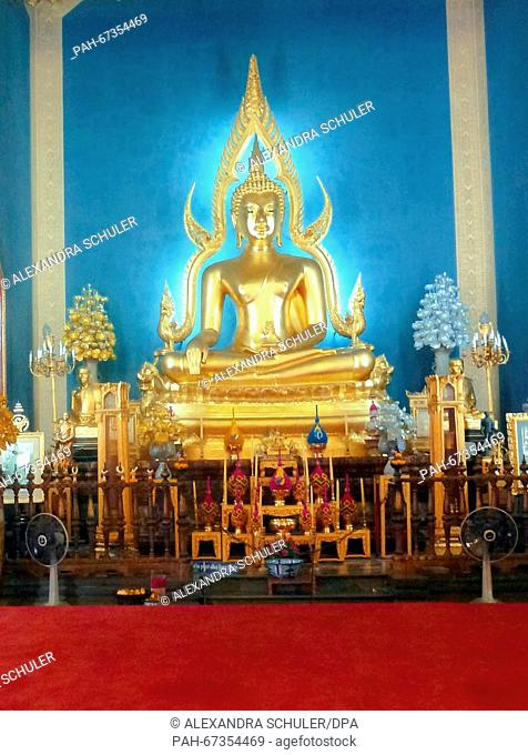 The main buddha statue Phra Phutthachinnarat at Wat Benchamabophit inBangkok,Thailand, 04 March 2016. The temple located in the district Dusit of Bangkok is...