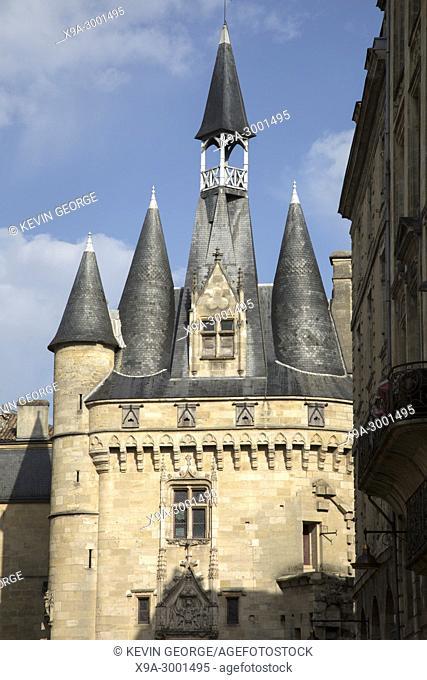Porte Cailhau Gate, Place du Palais Square, Bordeaux, France