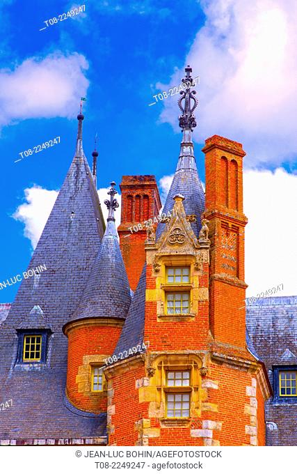 france,28 : maintenon castle, towers, roof & chimneys