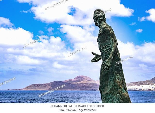 Statue of Spanish Tenor Alfredo Kraus at Playa Las Canteras, Las Palmas de Gran Canaria
