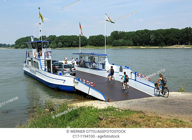 Germany, Dormagen, Rhine, Lower Rhine, North Rhine-Westphalia, Dormagen-Zons, Feste Zons, Rhine ferry, car ferry between Dormagen-Zons and Duesseldorf-Urdenbach