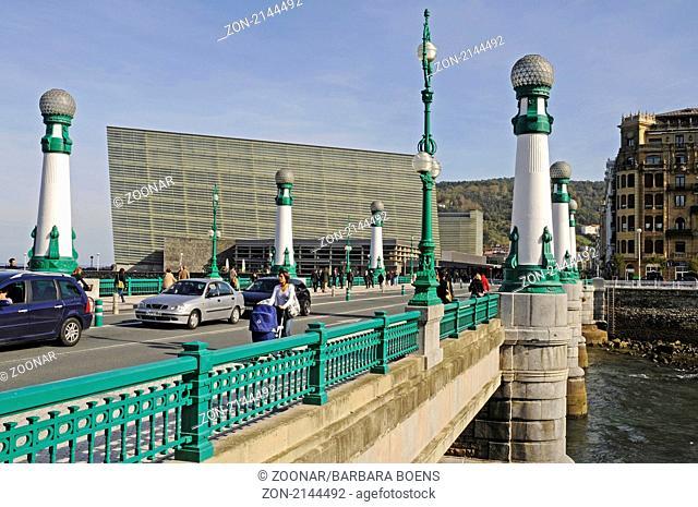 Ponte Zurriola, Zurriola bridge, Kursaal, cultural centre, Bruecke, San Sebastian, Pais Vasco, Basque Country, Baskenland, Spanien, spain
