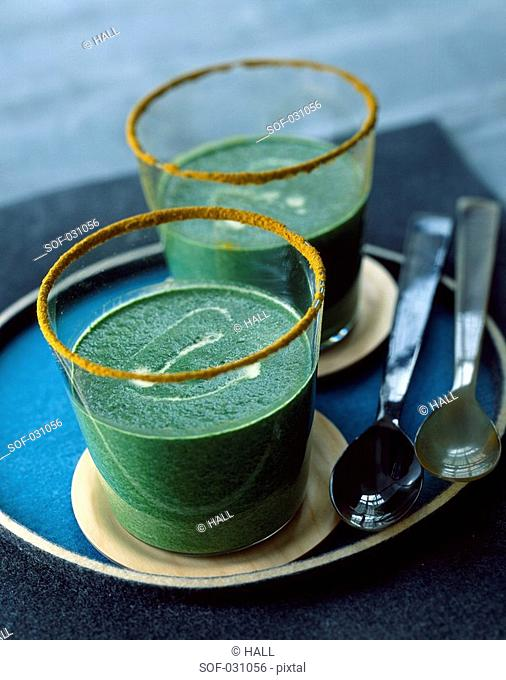 Spinach,lamb's lettuce and curry velouté