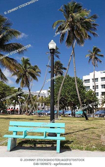PARK BENCH LUMMUS PARK OCEAN DRIVE SOUTH BEACH MIAMI BEACH FLORIDA USA