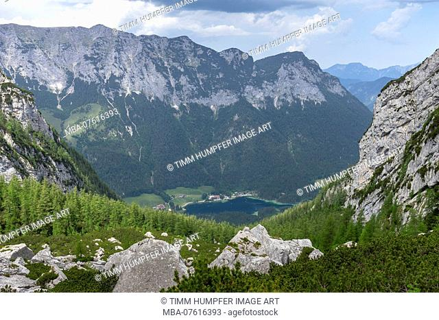 Germany, Bavaria, Berchtesgaden region, Ramsau, view from the terrace of the Blaueishütte to the Hintersee
