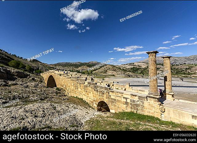Also known as Cendere Bridge, Roman Bridge or Septimius Severus Bridge. It is located on the ancient Cabinas (Cendere) Stream