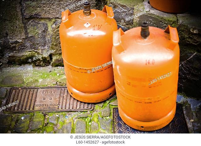 Butano Gas orange container