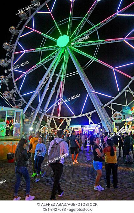Ferris wheel, Funfair at night, neighborhood of La Barceloneta, Barcelona, ??Catalonia, Spain