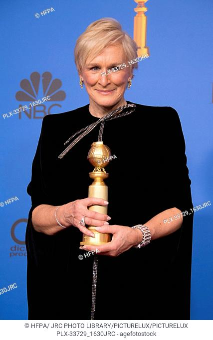 """After winning the category of BEST PERFORMANCE BY AN ACTRESS IN A MOTION PICTURE – DRAMA for her role in """"""""The Wife,"""""""" actress Glenn Close poses backstage in..."""