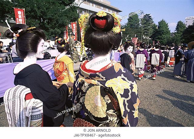 Japan, Tokyo, Geishas, Jidai Matsuri Festival, Sensoji Temple Asakusa