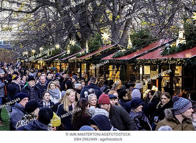 Edinburgh, Scotland, United Kingdom. 18 November, 2017. Opening day of Edinburgh's popular and beautiful Christmas market and funfair in Princes Street Gardens