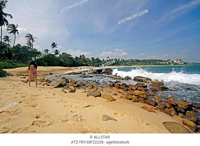 GOLDEN BEACH, ROCKS & MODEL; TANGALLE, SRI LANKA; 16/03/2013