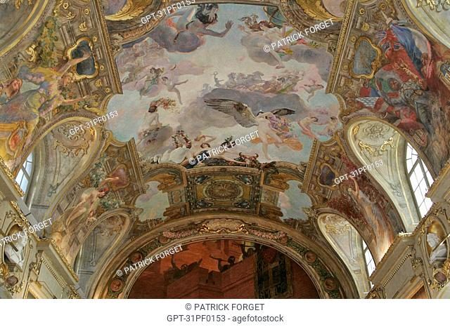 THE CEILING IN THE SALLE DES ILLUSTRES, PAINTING BY JEAU-PAUL LAURENSO, CITY HALL, PLACE DU CAPITOLE, TOULOUSE, HAUTE-GARONNE 31, FRANCE