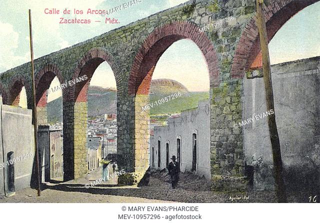 Calle de los Arcos (Street of the Arches) in Zacatecas, Mexico. The arches are what remain of El Cubo aqueduct, built at the end of the 18th century