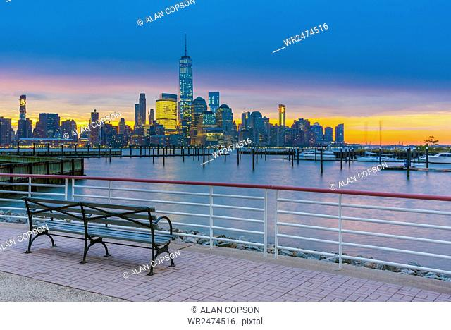 New York skyline of Manhattan, Lower Manhattan and World Trade Center, Freedom Tower across Hudson River from Harismus Cover, Newport, New Jersey