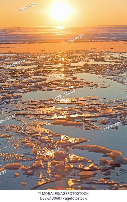United States , Alaska , Arctic National Wildlife Refuge , Kaktovik , frozen lagoon and sea , pack ice formation along a barrier island outside Kaktovik, Alaska