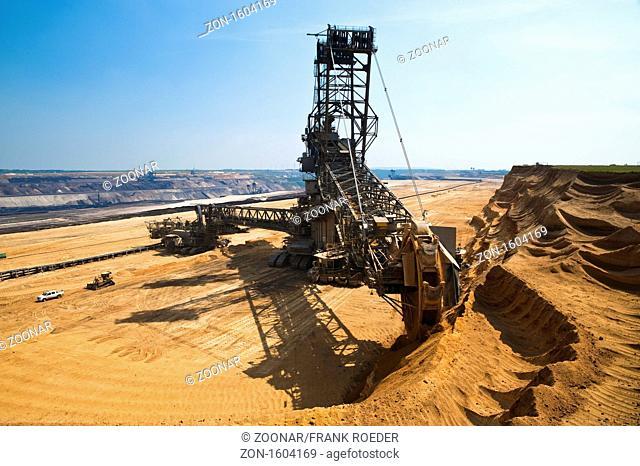 Schaufelradbagger in einem Tagebau