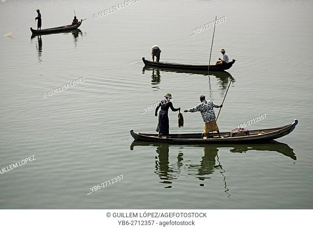 Fishermen at the Taungthaman Lake, Amarapura, Myanmar