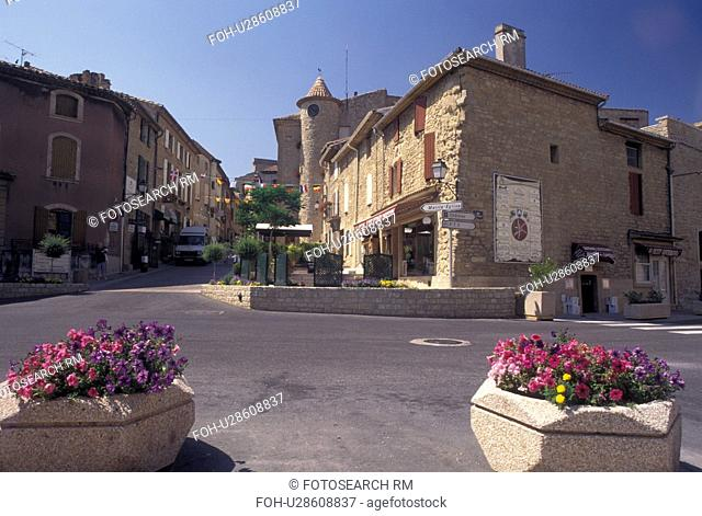 Chateau-Neuf-du-Pape, France, Vaucluse, Provence, Europe, Scenic view of the village of Chateau-Neuf-du-Pape in Provence